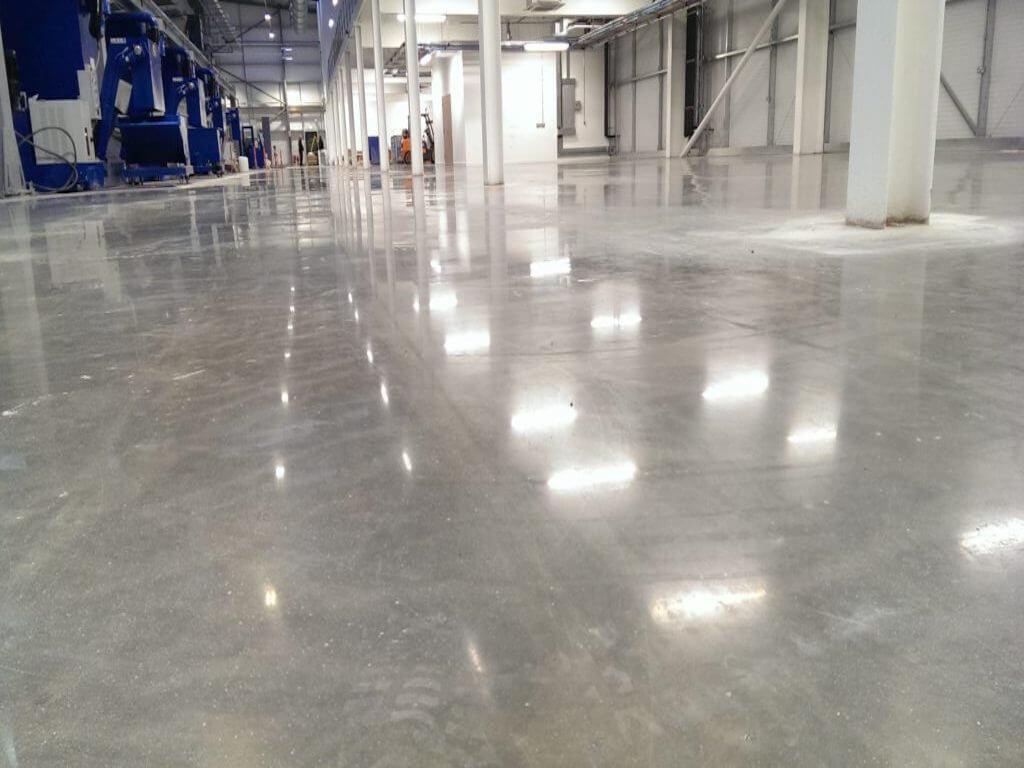 Industrial floor with antislip properties