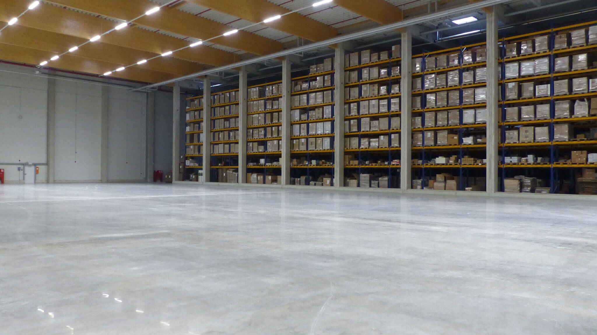Big logistic center treated with becosan dustproof concrete floor