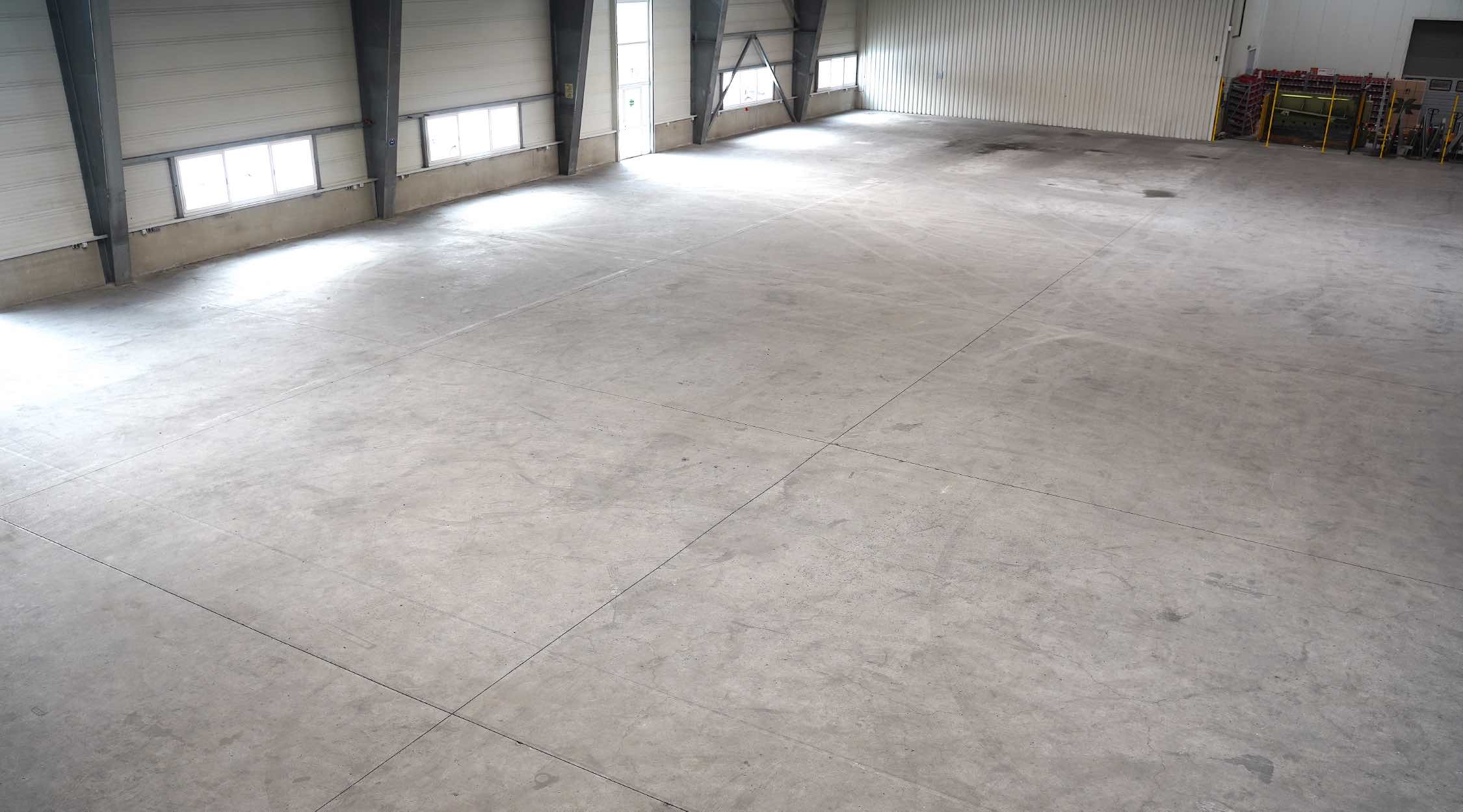 Concrete and screed
