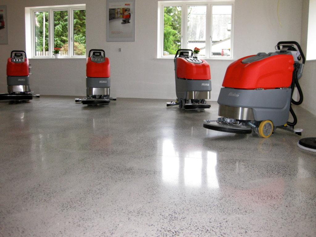 equipamiento industrial para limpieza de suelos