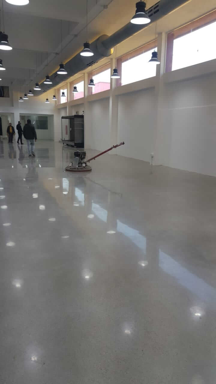 concrete-floor-supermarket