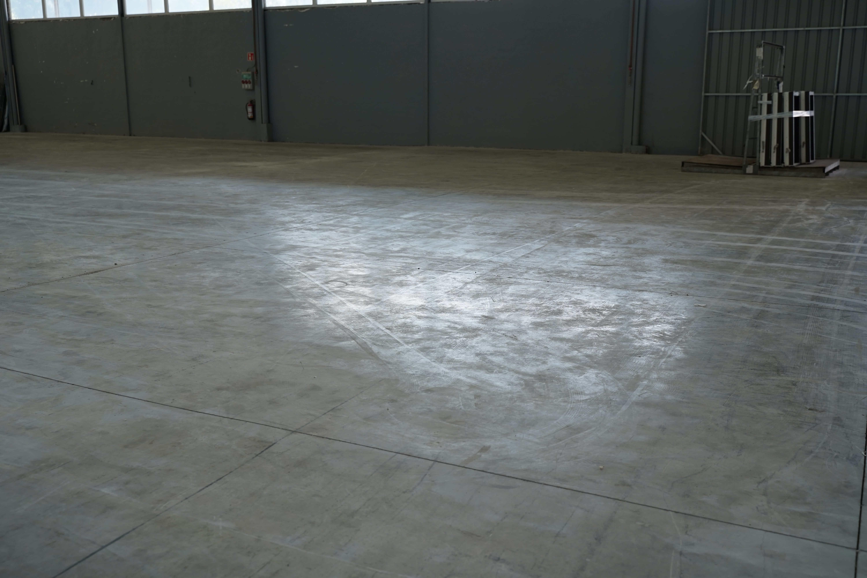 dust on concrete floor