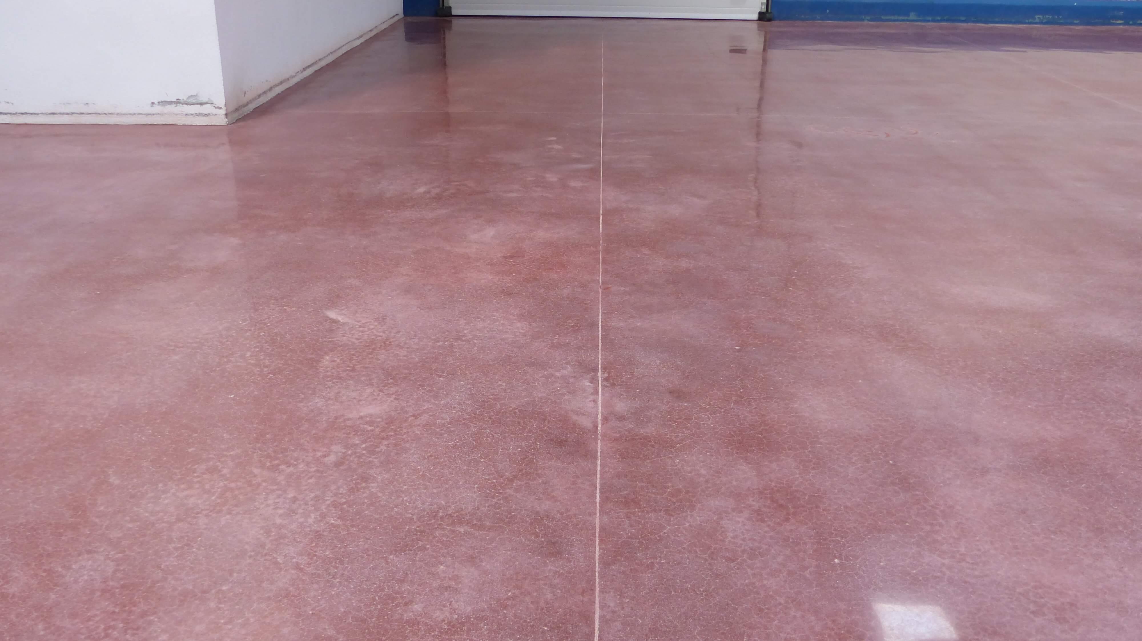 kırmızı parlak beton