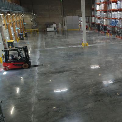 Groot oppervlak van gepolijst beton