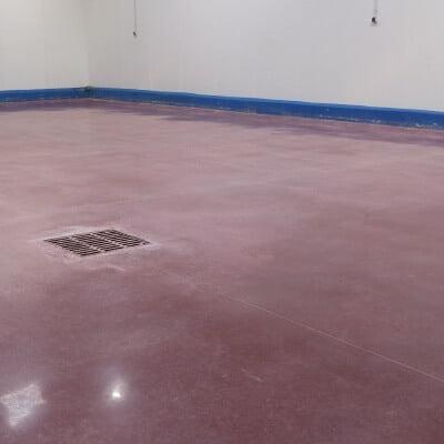 Dry polished pavement