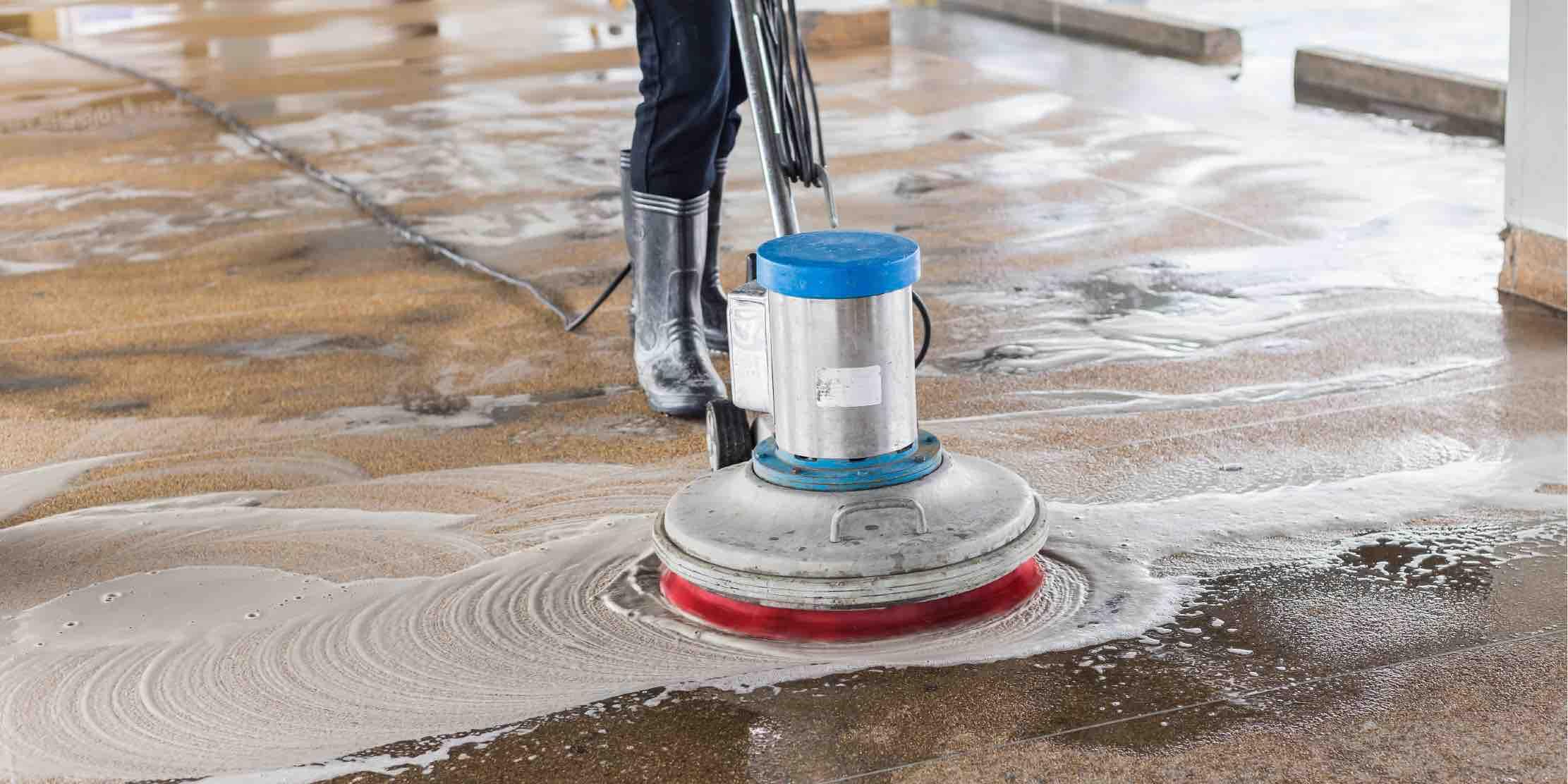 Limpieza con arena proyectada