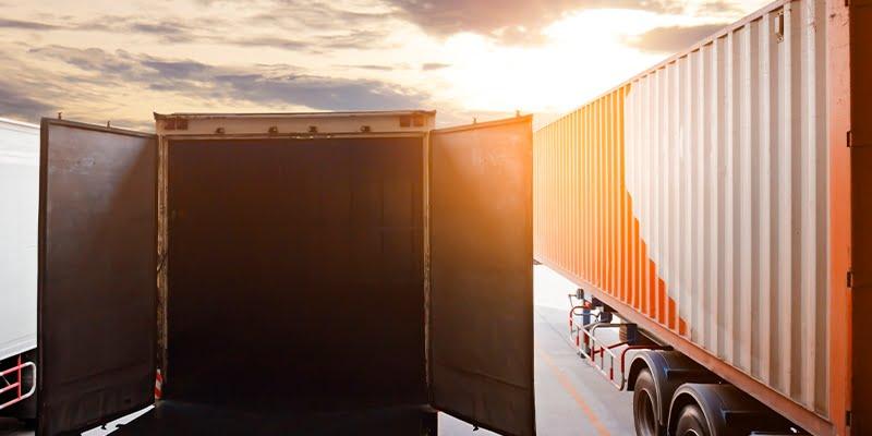 Loading and unloading docks