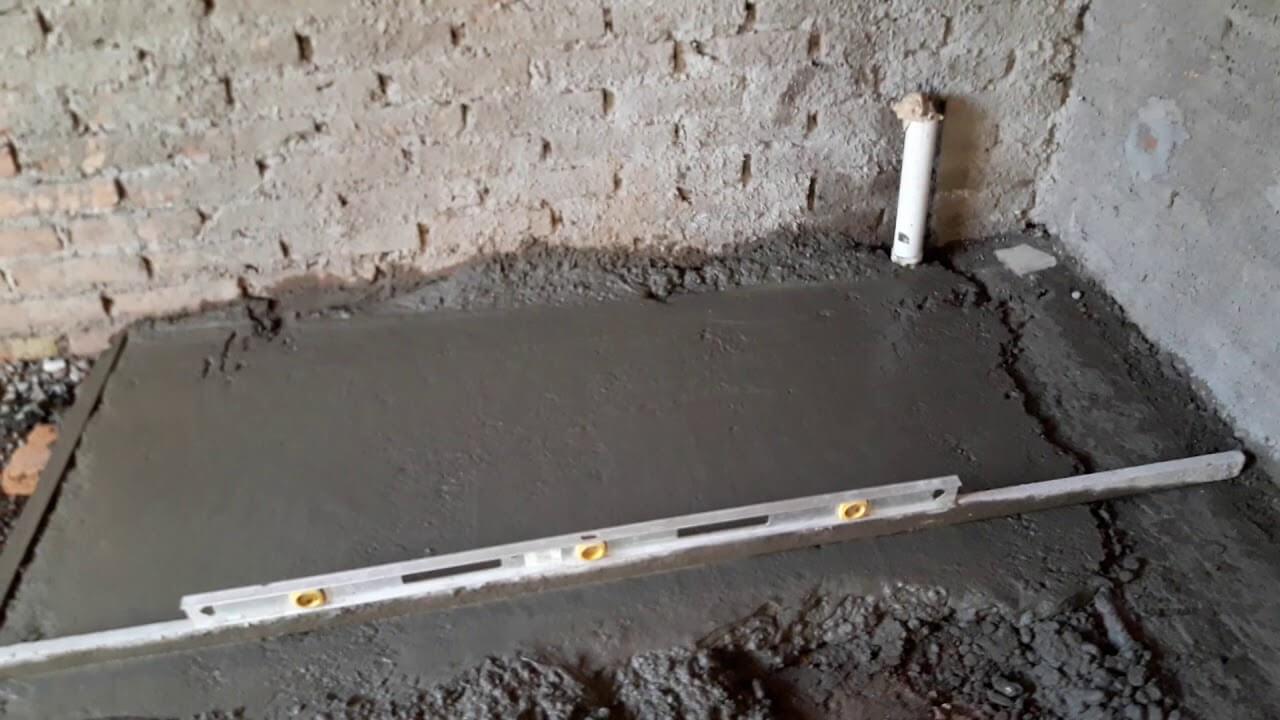Alisando Suelo De Cemento