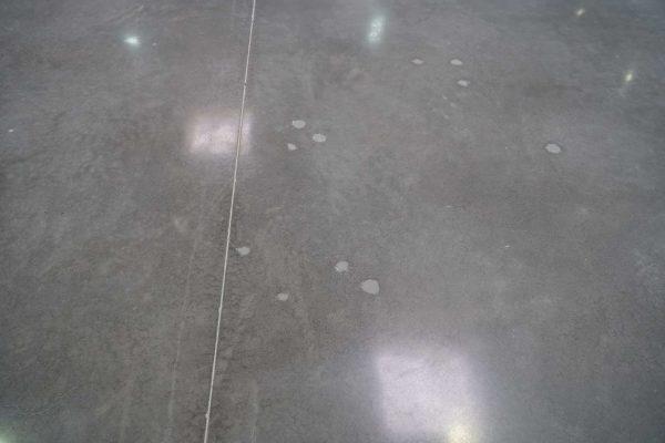 tornillos suelo reparado